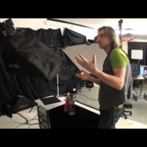 Alexi Koloskov tłumaczy schemat oświetlonej butelki ze szkła