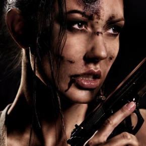 Lara Croft na zdjęciach Tomasza Pluszczyka